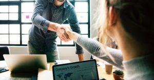 Buscar um sócio técnico ou uma empresa para desenvolver minha startup