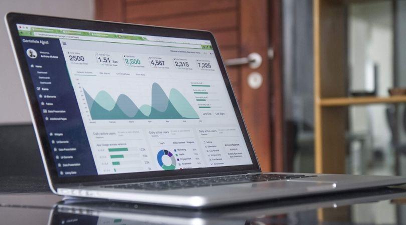 Como a Inteligência Competitiva potencializa Soluções de Software - Examinando Informações