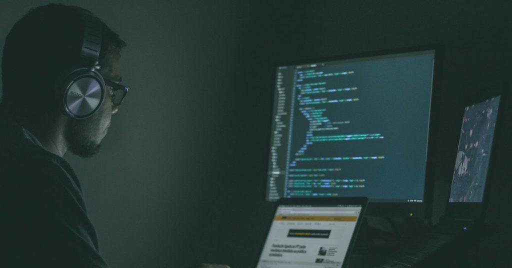 Turnover no Desenvolvimento de Software Preservando seu produto Investir em uma equipe especializada