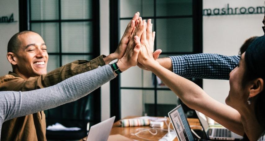 Inovação um processo contínuo em trocas de informação Uma equipe preparada é uma equipe vitoriosa