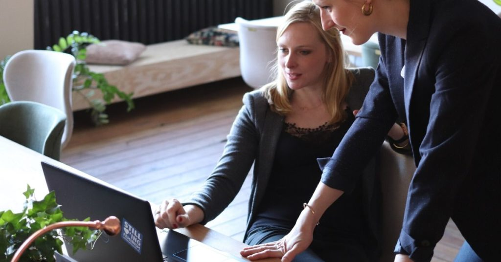 A-importância-da-autonomia-no-desenvolvimento-de-Software-O-microgerenciamento-nas-equipes-de-Desenvolvimento
