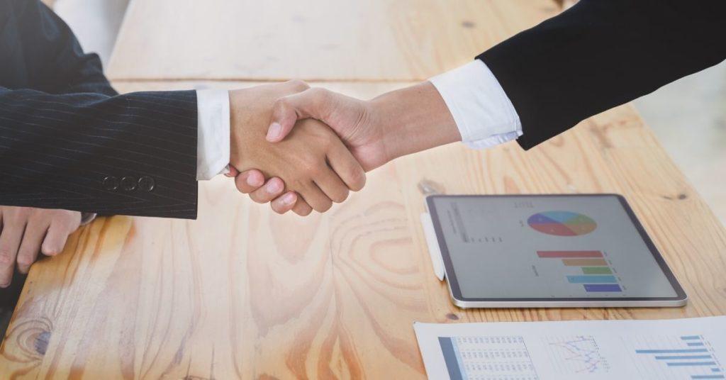 Guia para escolher uma Empresa de Desenvolvimento de Software- Fique atento ao contrato